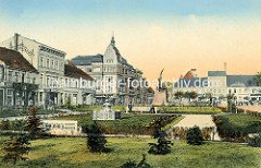 Historische Ansicht vom Schulplatz von Neuruppin - Blick zur Friedrich Wilhelm Straße / heut Karl Marx Strasse in Neuruppin.e