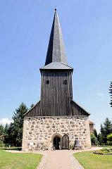 Feldsteinkirche in Karwe, Kirchturm aus Holz.