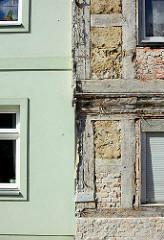 Alt + Neu - restaurierte Fassade und freigelegtes Fachwerk; Architektur in Neuruppin.
