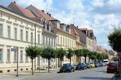Wohnhäuser / Geschäftshäuser in der Präsidentenstraße von Neuruppin.