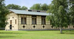 Nebengebäude der ehem. Königstorkaserne in Neuruppin - erbaut 1800–1883 für das I. Bataillon des 4. Brandenburgischen Infanterie-Regiments Großherzog Friedrich-Franz II. von Mecklenburg-Schwerin Nr. 24.
