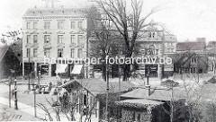 Historisches Bild vom Winterhuder Marktplatz im Hamburger Stadtteil Winterhude - mehrstöckige Gründerzeithäuser mit Geschäften.
