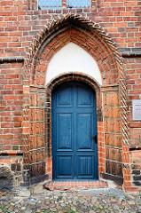 Eingang Siechenkapelle St. Laurentius in Neuruppin; erbaut 1491 - spätgotischer Backsteinbau.