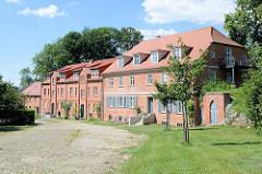 Ferienwohnungen / Eigentumswohnungen auf dem Areal des ehem. Gutshof  Karwe, Gemeide Karstädt am Ruppiner See.