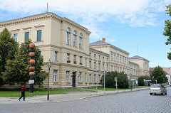 Gebäude vom Amtsgericht in Neuruppin - erbaut von 1881 - 1887 im Baustil des  Historismus.