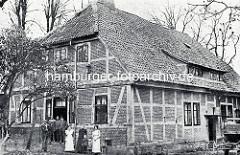 Historische Aufnahme der Alten Mühle am Aussenmühlenteich in Hamburg Harburg / Wilstorf, abgerissen 1930.