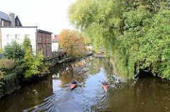 Kanuten auf der Medem in Otterndorf.