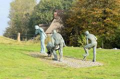Keen nich will dieken, de mutt wieken - Skulptur zum Gedenken an das Eindeiche in Otterndorf; Entwurf / Ausführung Bildhauer Müller-Belecke, 1996.