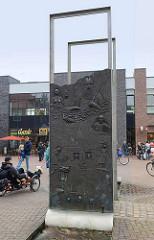 Brunnen am Kämmererplatz in Cuxhaven - Künstler Diether Heisig, eingeweiht 2002.