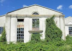 Werksgebäude / Industriearchitektur der Hanseatischen Motoren-Gesellschaft (HMG) am Schleusengraben in Hamburg Bergedorf.