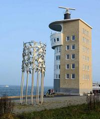 Radarturm Cuxhaven - Metall Skulptur Vogelflug in Freiheit verbunden - Entwurf Bildhauer Frijo Müller-Belecke