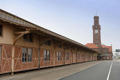 Hapag-Hallen in Cuxhaven - historisches, denkmalgeschütztes Passagierterminal aus Zeiten der Auswanderung. Errichtet 1902 - Architekt Georg Thielen.