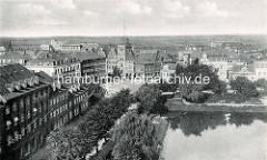 Historische Bilder von Cuxhaven - Luftbild von Dölles Hotel,  Ritzebüttler Schleuse / Schleusenpriel.