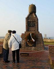 Der Marinestützpunkt Cuxhaven war ein Stützpunkt deutscher Seestreitkräfte in der Stadt Cuxhaven, der mit Unterbrechungen von 1905 bis 1991 bestand. Ab 1936 wurde ein Minensucherhafen eingerichtet - Ehrenmal.