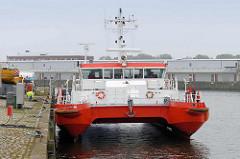 Lotsenboot / Lotsentender Döse am Hansakai in Cuxhaven.
