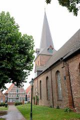 St. Severi Kirche, sogen. Bauerndom in Otterndorf - erbaut ab dem 12. Jahrhundert.