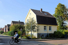 Wohnhäuser / Villen mit Mansarddach in Otterndorf.