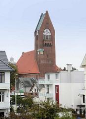 Kirchturm der Marinegarnisionskirche St. Petri in Cuxhaven, erbaut 1911.