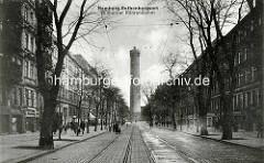 Alte Fotografie aus Hamburg Rothenburgsort - Billhorner Röhrendamm. Im Hintergrund der Wasserturm; 1848 nach Plänen von Alexis de Chateauneuf (1799–1853) entworfen und vom Ingenieur William Lindley (1808–1900) erbaut.