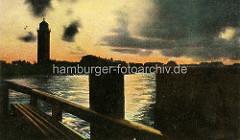 Historisches Bild - Abend mit Sonnenuntergang an der Alten Liebe in Cuxhaven - Leuchtturm.