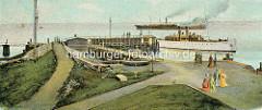 Altes farbiges Bild von der Alten Liebe in Cuxhaven - SpaziergängerInnen und Schiffe.