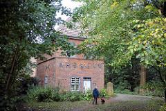 Torhaus in Otterndorf -  1641 erbaut diente es zusammen mit dem Schlossgraben als Schutzanlage für das Schloss; jetzt Heimatmuseuem.