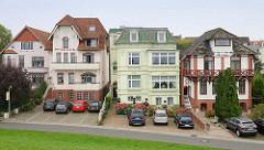 Bäderarchitektur, Gründerzeitvillen am Deich von Cuxhaven - Hotels / Pensionen, Ferienwohnungen.