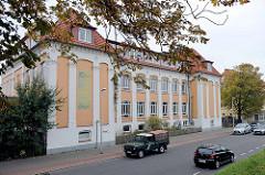 Gebäude der Freien Waldorfschule Cuxhaven - Deichstraße / ehem. Deichschule, erbaut 1878 - geplant durch die Architekten Kirchenpauer / Philippi.