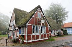 Fachwerkgebäude an der Schleusenstraße in Otterndorf - leerstehendes Gasthaus, steht unter Denkmalschutz.