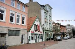 Unterschiedliche Bauformen - historische Baustile, Schillerstraße / Cuxhaven.