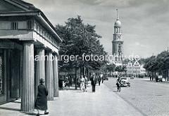 Altes Bild vom Millerntor in Hamburg St. Pauli - lks. die Millerntorwache, die 1820 nach Plänen des Baumeisters Carl Ludwig Wimmel erbaut wurde.