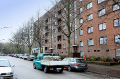 Architektur in Hamburg Veddel - Wohnblocks der 1930er Jahre, Schumacherära - Straße Sieldeich.
