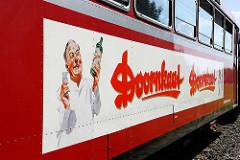 Historischen Triebwagen VT 3.09, erbaut 1967 für die EBOE - Elmshorn-Barmstedt-Oldesloer Eisenbahn - Doornkaat Werbung.