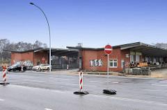 Ehem. Zollabfertigungsgebäude vom Zollamt Hamburg Veddel / Laderampen.