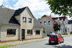 Historische Wohnhäuser in der Merkenstraße von Hamburg Billstedt.