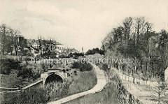 Historische Ansicht vom Schellfischtunnel der Altonaer Hafenbahn - im Hintergrund ist die Altonaer Siegessäule zu erkennen.
