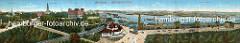 Historisches Panorama der St. Pauli Landungsbrücken und dem Hamburger Hafen. In der Bildmitte das St. Pauli Fährhaus, dahinter der Jonashafen und der Kaispeicher A.