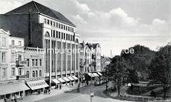 Historische Ansicht vom Karstadtgebäude an der jetzigen Wandsbeker Marktstraße im Hamburger Stadtteil Wandsbek; errichtet 1922 nach den Plänen  des Regierungsbaumeisters C. G. Bensel.