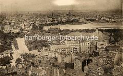 Alte Luftaufnahme von Hamburg St. Pauli - Blick auf das Heiligengeistfeld - re. das Museum für Hamburgische Geschichte.