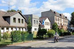 Wohnhäuser - unterschiedliche Baustile / Fassadengestaltung - Bilder aus Hamburg Billstedt.