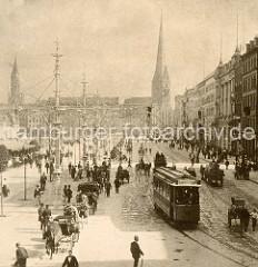 Hansestadt Hamburg historisch - Blick in den Jungfernstieg Richtung Bergstraße. Eine Straßenbahn fährt Richung Gänsemarkt; Droschken warten vor dem Alsterpavillion - Zugpferde.