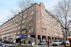 Architektur Hamburgs - Blick zum Altstädter Hof, Wohngebäude im Hamburger Kontorhausviertel; Kreuzung Mohlenhofstraße / Altstädter Stasse + Burchardtplatz.