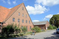 Historische Landwirtschaftsgebäude am Reinskamp in Hamburg Billstedt - Wohnhaus und Wirtschaftsgebäude.