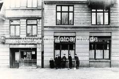 Historische Ansicht vom Sieldeich auf der Hamburger Veddel - Kinder mit Mützen / Schaufeln.