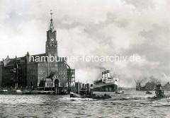 Kaiserspeicher mit Uhrturm; Passgierschiff Cap Arcona am Dalben - im Hintergrund ein Getreideheber - Barkassen in Fahrt. Architekturgeschichte Hamburgs.