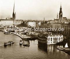 Alte Luftaufnahme vom Hamburger Jungfernstieg und dem Anleger der Alsterdampfer.