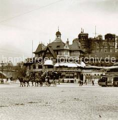 Alte Fotografie vom Sankt Pauli Fährhaus  bei den Landungsbrücken in der Hamburger Neustadt.