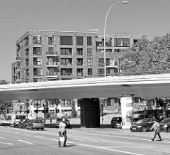 Wohnungsneubau an der Fuhlsbüttler Straße / Ecke Langenfort; im Vordergrund  die Barmbeker Ringbrücke.