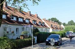 Reihenhausbebauung mit Dachausbau am Hohnerkamp in Hamburg Bramfeld.