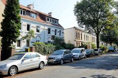 Miets-Wohnungen / Wohnblock im schlichten Baustil vom Historismus; Bergkoppelweg in Hamburg Fuhlsbüttel.
